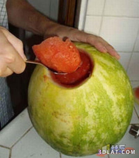 فكرة غريبه لتقديم العصير