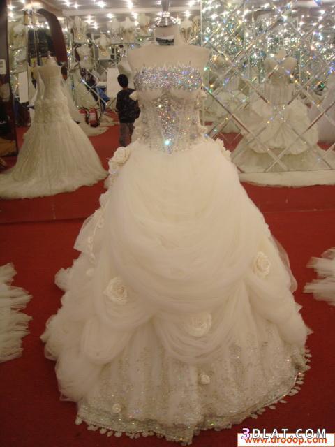 احلى فساتين زفاف باللون الدهبى