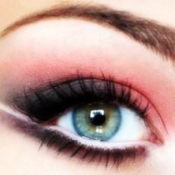 مكياج العيون الناعسة بالصور مكياج العيون الناعسة بالصور 13747830991.jpg