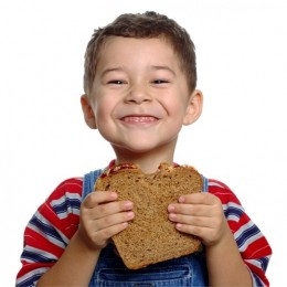 الخبز الأسمر يزيد التركيز الأطفال