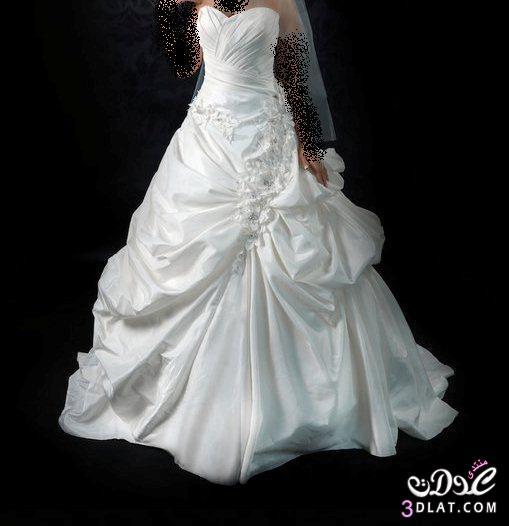 يا عروسه محتاره تلبسي ايهيوم فرحك,فستانك عندي