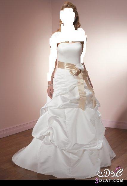 كوني متألقه في يوم زفافك ,بفستانك ألأبيض أبهري جميع من يراكي