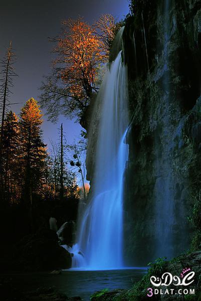 شلالات من الطبيعة 13879270044.jpg