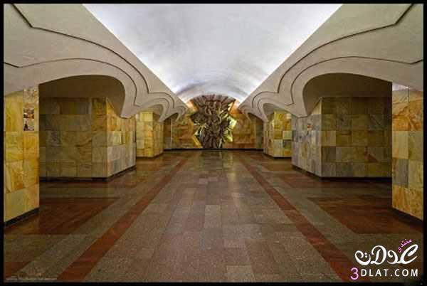 محطة مترو موسكو اشبه بالقصور