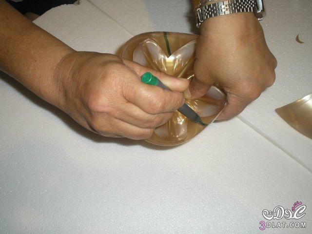حامل مناديل تحفه فنيه من زجاجة المياه اللغازيه 3dlat.com_1389998991