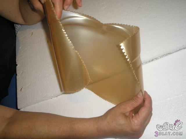 حامل مناديل تحفه فنيه من زجاجة المياه اللغازيه 3dlat.com_1389998994