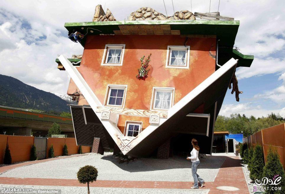 منزل بالمقلوب يجذب السياح !منزل