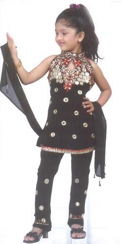 3709a9d21d0ff فساتين هندية للاطفال
