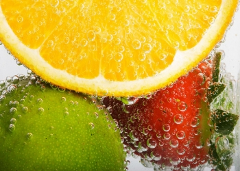 فوائد الاغذية الغنية بالماء ,قائمة بالأغذية الغنية بالماء 3dlat.com_1410446592