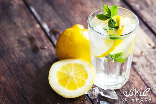 فوائد الماء بالليمون ،أهم الفوائد الصحية لتناول الماء بالليمون في الصباح 3dlat.com_1414352485