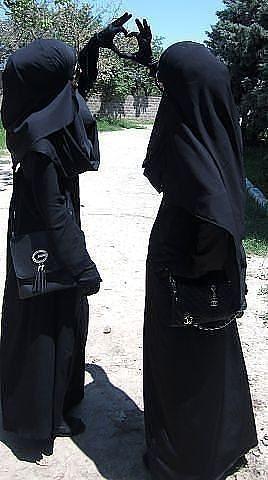 عبايات خليجية مودرن سوداء سادة ومطرزة 3dlat.net_22_17_7c72